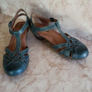 Cobb hill ankle strap green sandals 7.5